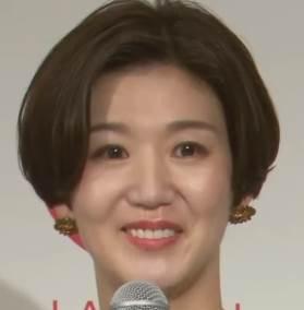 栗原恵 顔 変わった 化粧 濃い 綺麗 顔 小さい 歯並び 矯正